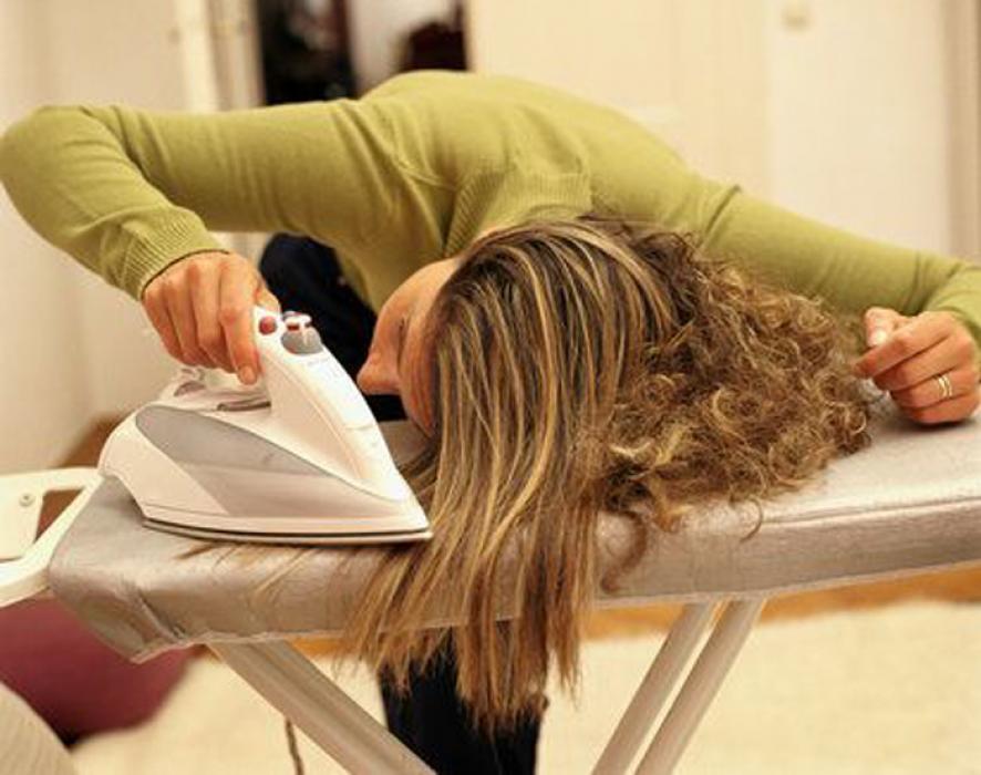 Как утюгом выпрямить волосы