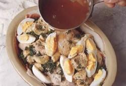 Куски курицы, запеченные в пироге