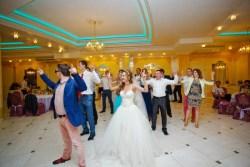 Как выбрать профессионального ведущего на свадьбу в СПб?