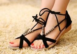 Время сандалий - красивые ноги и ногти