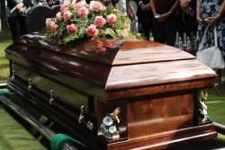 17-летний парень проснулся на своих похоронах. Врачи сказали родителям забрать его домой, потому что он умер